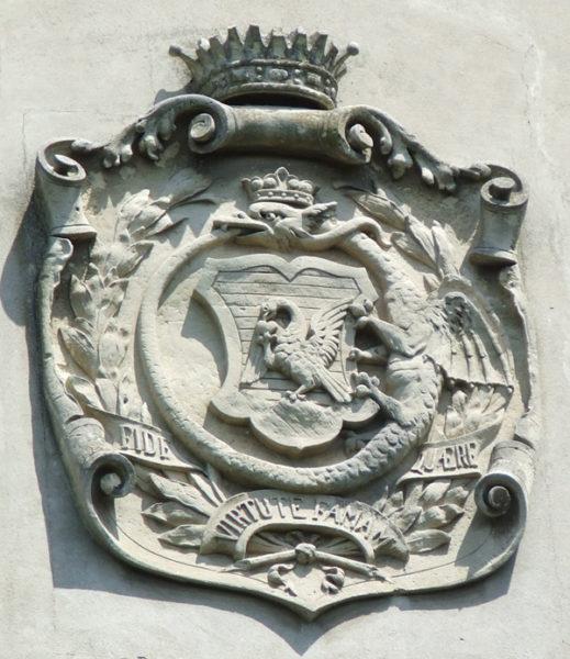 Nagykároly címere