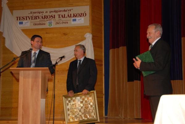 Szenttamás és Orosháza 2009. április 24-én lépett testvérvárosi kapcsolatba (fotó: Kecskeméti Krisztina).