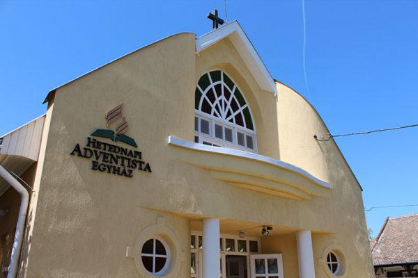 Adventista gyülekezet (fotó: Rajki Dávid)